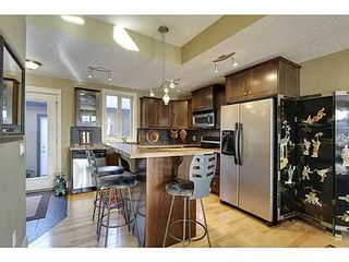 Photo 6: 202 34 Avenue SW in Calgary: 2 and Half Storey for sale : MLS®# C3554793