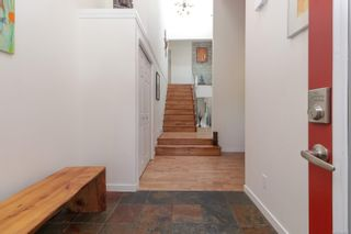 Photo 4: 2315 Greenlands Rd in : SE Arbutus House for sale (Saanich East)  : MLS®# 885822