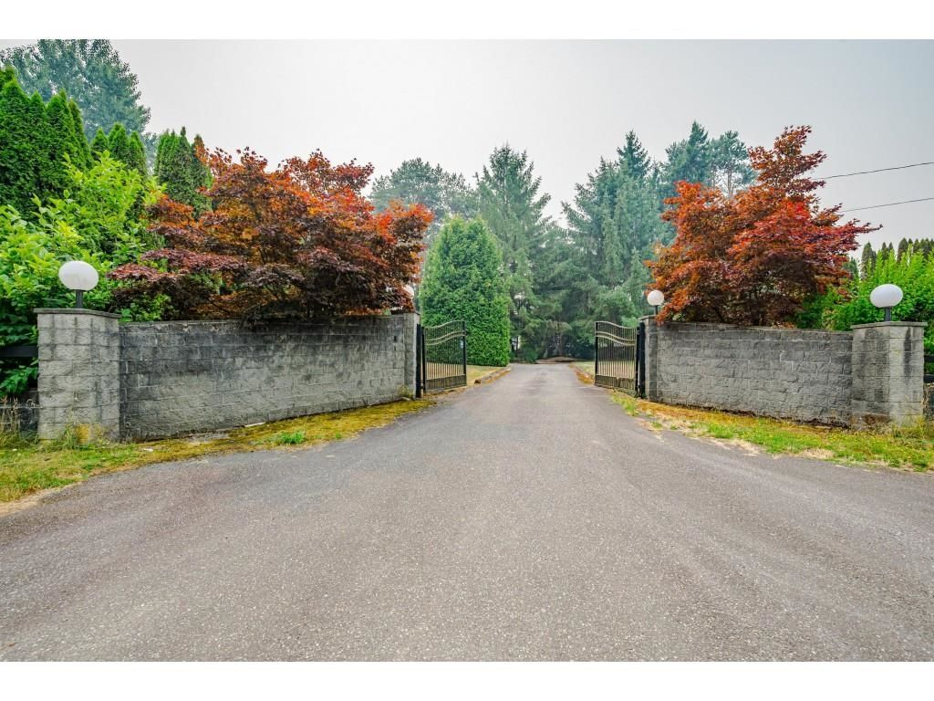 Photo 2: Photos: 21480 18 Avenue in Langley: Campbell Valley House for sale : MLS®# R2616707