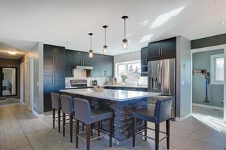 Photo 6: 204 MAPLE COURT Crescent SE in Calgary: Maple Ridge Detached for sale : MLS®# A1152517