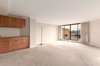 """Photo 3: 412 1490 PENNYFARTHING Drive in Vancouver: False Creek Condo for sale in """"Harbour Cove/False Creek"""" (Vancouver West)  : MLS®# R2541410"""