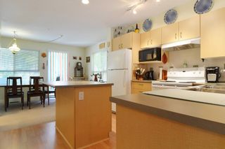 """Photo 6: 41 20350 68 Avenue in Langley: Willoughby Heights Townhouse for sale in """"SUNRIDGE"""" : MLS®# F1420781"""