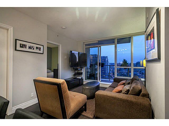 """Photo 7: Photos: 1808 821 CAMBIE Street in Vancouver: Downtown VW Condo for sale in """"RAFFLES ON ROBSON"""" (Vancouver West)  : MLS®# V1125986"""