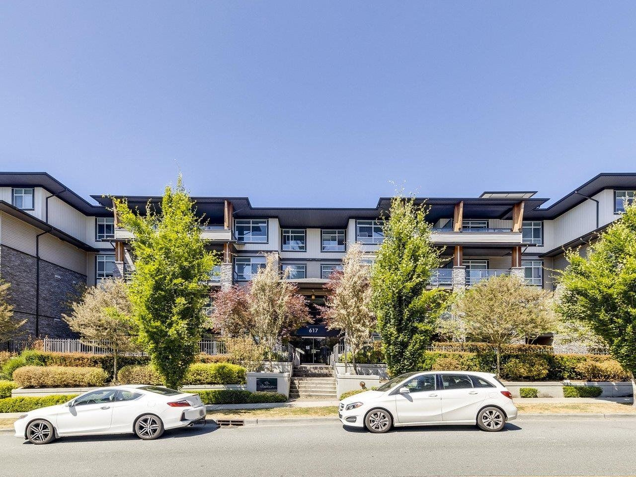 """Main Photo: 305 617 SMITH Avenue in Coquitlam: Coquitlam West Condo for sale in """"The Easton"""" : MLS®# R2599277"""