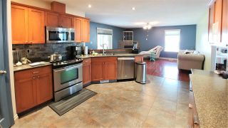"""Photo 4: 7645 GRAYSHELL Road in Prince George: St. Lawrence Heights House for sale in """"ST LAWRENCE HEIGHTS"""" (PG City South (Zone 74))  : MLS®# R2392835"""