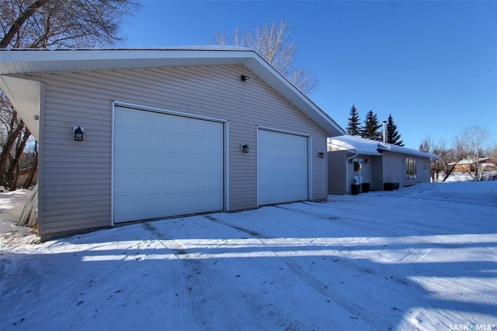 Main Photo: McLeod Drive Acreage in Buckland: Residential for sale (Buckland Rm No. 491)  : MLS®# SK840447