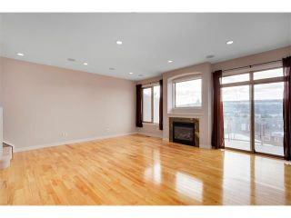 Photo 12: 4817 23 Avenue NW in Calgary: Montgomery House for sale : MLS®# C4096273