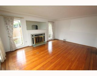 Photo 2: 2557 MARINE Drive in West Vancouver: Dundarave House for sale : MLS®# V809921