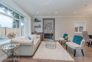 Photo 2: 6759 SPERLING Avenue in Burnaby: Upper Deer Lake 1/2 Duplex for sale (Burnaby South)  : MLS®# R2368777