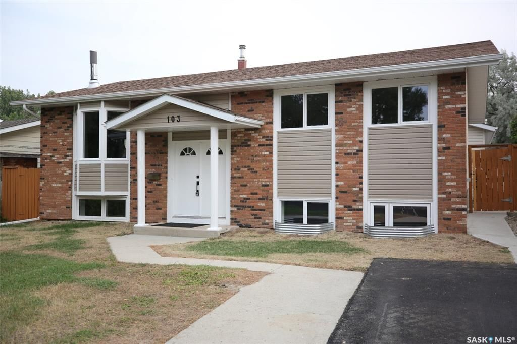 Main Photo: 103 McSherry Crescent in Regina: Normanview West Residential for sale : MLS®# SK866115