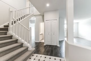 """Photo 2: 29 6380 121 Street in Surrey: Panorama Ridge Townhouse for sale in """"Forest Ridge"""" : MLS®# R2342943"""