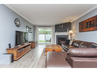 """Photo 4: 136 5641 201 Street in Langley: Langley City Townhouse for sale in """"The Huntington"""" : MLS®# R2409027"""