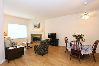 """Photo 2: 49 23151 HANEY Bypass in Maple Ridge: East Central Townhouse for sale in """"STONEHOUSE ESTATES"""" : MLS®# R2048913"""