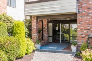 """Photo 2: 210 32885 GEORGE FERGUSON Way in Abbotsford: Central Abbotsford Condo for sale in """"FAIRVIEW MANOR"""" : MLS®# R2596928"""