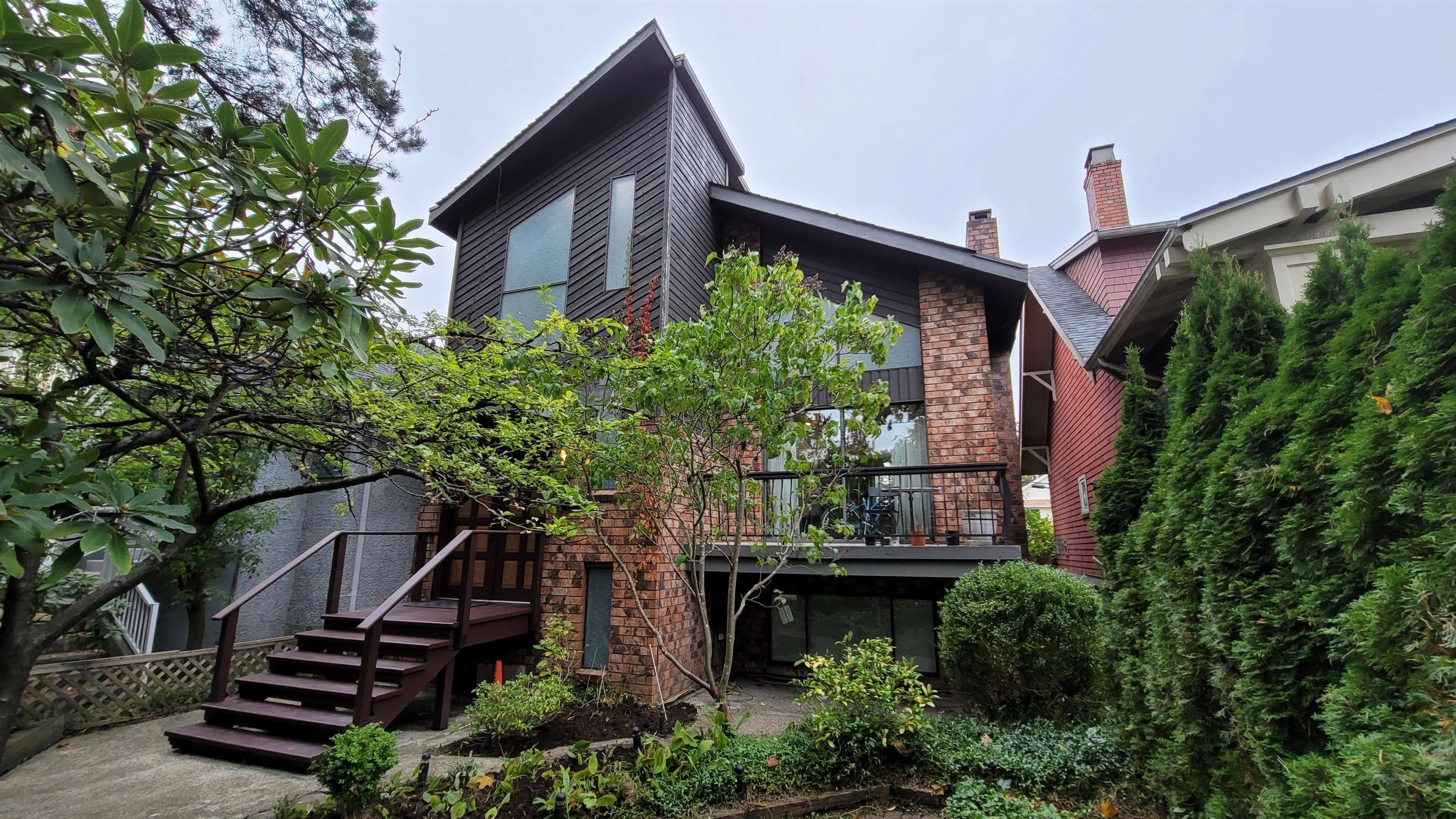 Main Photo: 3651 W 6TH Avenue in Vancouver: Kitsilano House for sale (Vancouver West)  : MLS®# R2625224