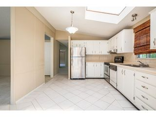 """Photo 5: 228 20071 24 Avenue in Langley: Brookswood Langley Manufactured Home for sale in """"Fernridge Park"""" : MLS®# R2600395"""