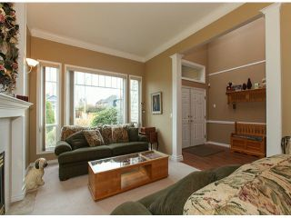 "Photo 4: 5238 GLEN ABBEY Place in Tsawwassen: Cliff Drive House for sale in ""IMPERIAL VILLAGE"" : MLS®# V1054011"