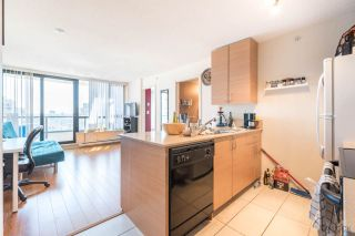 """Photo 13: 2308 928 HOMER Street in Vancouver: Yaletown Condo for sale in """"YALETOWN PARK"""" (Vancouver West)  : MLS®# R2181999"""