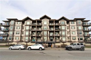 """Photo 1: 304 46021 SECOND Avenue in Chilliwack: Chilliwack E Young-Yale Condo for sale in """"Charleston"""" : MLS®# R2590503"""