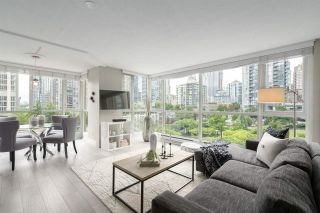 """Photo 1: 409 1188 RICHARDS Street in Vancouver: Yaletown Condo for sale in """"Park Plaza"""" (Vancouver West)  : MLS®# R2475181"""