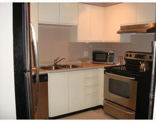 Photo 3: 409 2133 DUNDAS Street in Vancouver East: Home for sale : MLS®# V790294