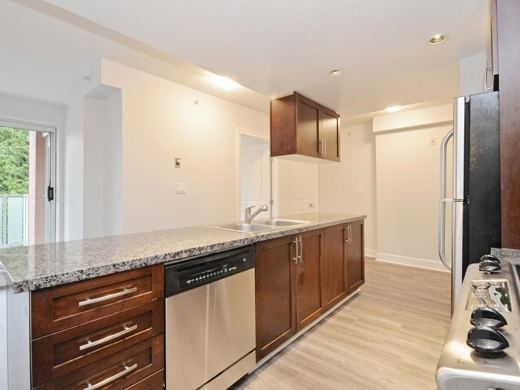 """Photo 6: Photos: 403 3811 HASTINGS Street in Burnaby: Vancouver Heights Condo for sale in """"MONDEO"""" (Burnaby North)  : MLS®# R2119090"""