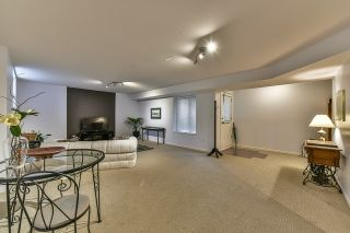 Photo 19: 18568 66A AVENUE in Cloverdale: Home for sale : MLS®# R2034217
