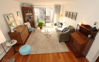 """Photo 1: 212 131 W 4TH Street in North Vancouver: Lower Lonsdale Condo for sale in """"Nottingham Place"""" : MLS®# R2239655"""