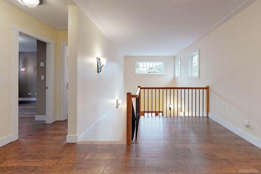 Photo 8: Photos: 990 Arngask Ave in : La Bear Mountain House for sale (Langford)  : MLS®# 881565