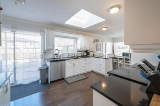 Photo 17: 704 Imperial Way SW in Calgary: Britannia Detached for sale : MLS®# A1081312