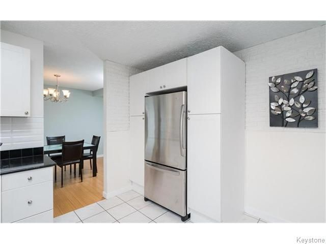 Photo 10: Photos: 120 Brookhaven Bay in Winnipeg: Southdale Residential for sale (2H)  : MLS®# 1622301