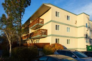 Photo 1: 303 4728 Uplands Dr in : Na Uplands Condo for sale (Nanaimo)  : MLS®# 862317