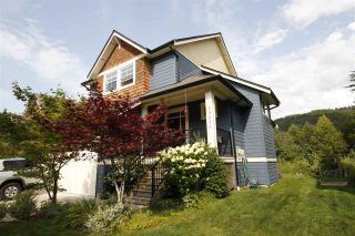 """Photo 1: 39070 KINGFISHER Road in Squamish: Brennan Center House for sale in """"THE MAPLES AT FINTREY PARK"""" : MLS®# R2400268"""
