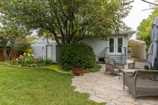 Photo 2: 2715 42 Street SW in Calgary: Glendale Detached for sale : MLS®# A1034490