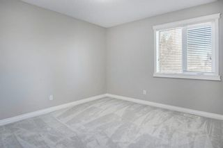 Photo 19: 2010 Broadview Road NW in Calgary: West Hillhurst Semi Detached for sale : MLS®# A1072577