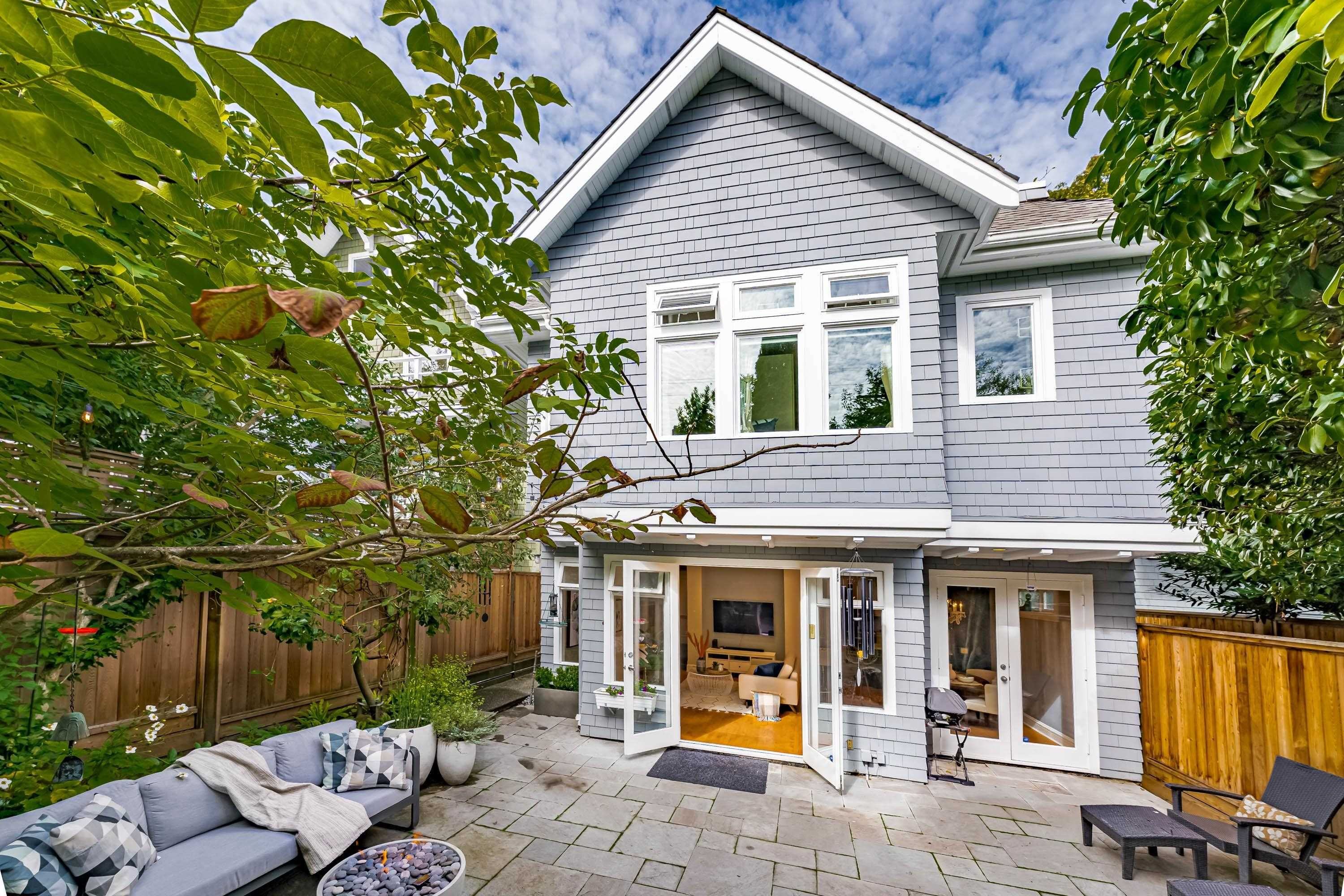 Main Photo: 2878 W 3RD Avenue in Vancouver: Kitsilano 1/2 Duplex for sale (Vancouver West)  : MLS®# R2620030