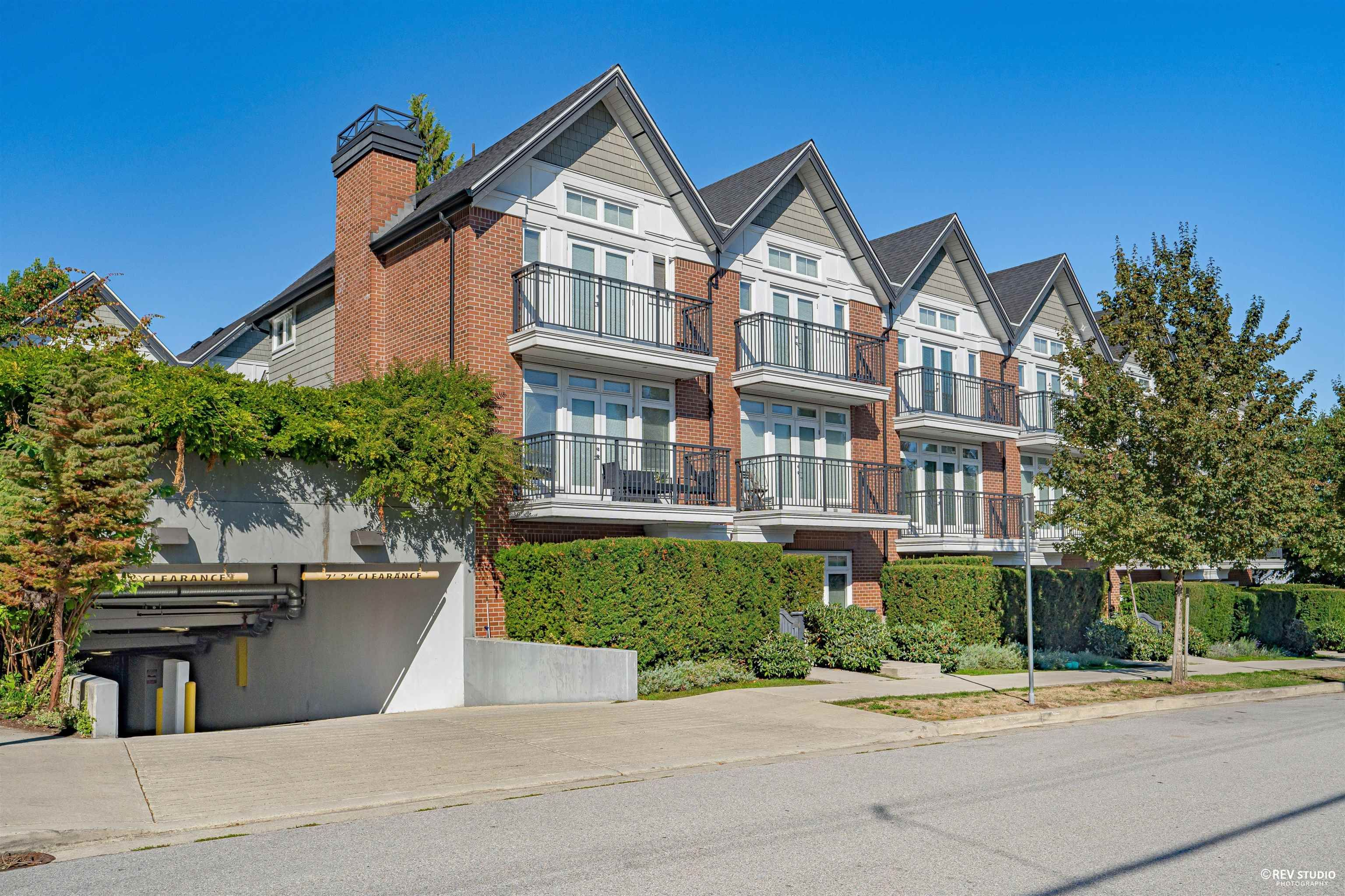 """Main Photo: 1 5655 CHAFFEY Avenue in Burnaby: Central Park BS Condo for sale in """"TOWNIE WALK"""" (Burnaby South)  : MLS®# R2615773"""