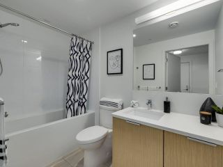 """Photo 19: 305 5085 MAIN Street in Vancouver: Main Condo for sale in """"Eastpark"""" (Vancouver East)  : MLS®# R2585433"""