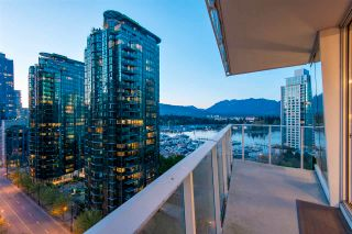 "Photo 4: 1501 1277 MELVILLE Street in Vancouver: Coal Harbour Condo for sale in ""FLATIRON"" (Vancouver West)  : MLS®# R2572328"