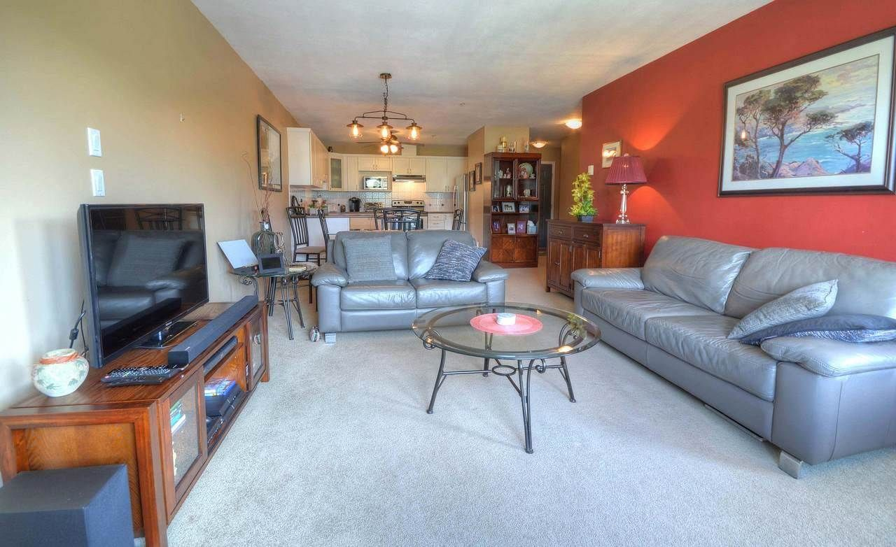 """Photo 5: Photos: 403 121 SHORELINE Circle in Port Moody: College Park PM Condo for sale in """"HARBOUR HEIGHTS"""" : MLS®# R2575353"""