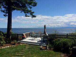 Photo 1: 7563 EUREKA Place in Halfmoon Bay: Halfmn Bay Secret Cv Redroofs House for sale (Sunshine Coast)  : MLS®# V1130195