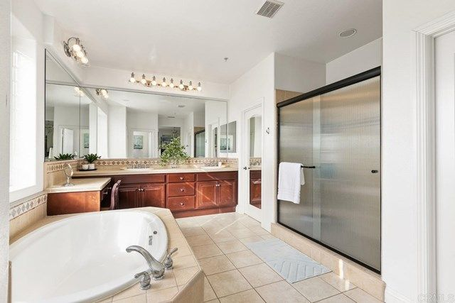 Photo 37: Photos: House for sale : 5 bedrooms : 1171 Adena Way in San Marcos