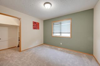 Photo 31: 227 LINDSAY Crescent in Edmonton: Zone 14 House for sale : MLS®# E4265520