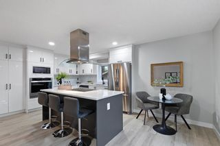 Photo 3: 5832 Silver Ridge Drive NW in Calgary: Silver Springs Detached for sale : MLS®# A1142837