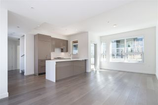 """Photo 5: 5209 CAMBIE Street in Vancouver: Cambie Townhouse for sale in """"Contessa"""" (Vancouver West)  : MLS®# R2552513"""