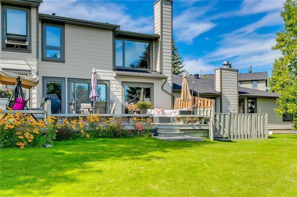 Photo 10: Photos: 17 185 WOODRIDGE Drive SW in Calgary: Woodlands Row/Townhouse for sale : MLS®# C4295020