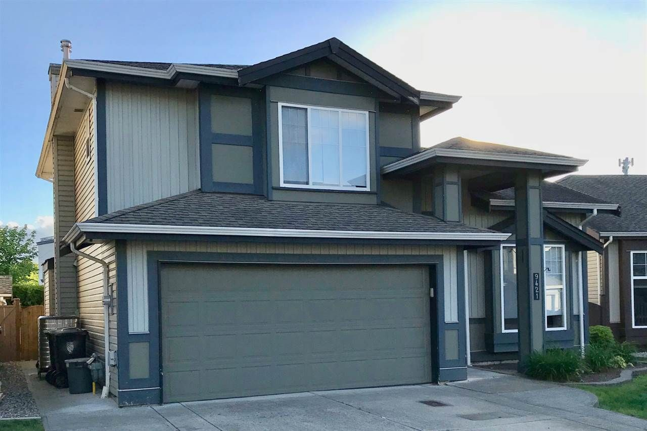 Main Photo: 9421 202A Street in Langley: Walnut Grove House for sale : MLS®# R2350473