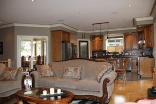 Photo 2: 21235 KETTLE VALLEY Place in Hope: Hope Kawkawa Lake House for sale : MLS®# R2352159