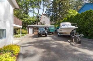 Photo 32: 618 Goldie Ave in VICTORIA: La Thetis Heights House for sale (Langford)  : MLS®# 813665