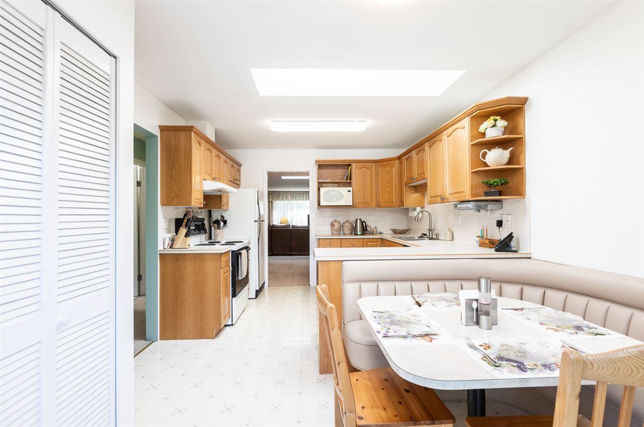 Main Photo: 6681 SPERLING Avenue in Burnaby: Upper Deer Lake 1/2 Duplex for sale (Burnaby South)  : MLS®# R2391156